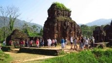 International visitors to Vietnam see slight increase in October