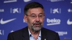 Football: Barcelona president Bartomeu resigns after Messi row