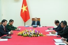 Vietnamese, Cambodian PMs hold online talks to intensify relations