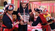 Red Dao ethnic minority people preserve weaving skills