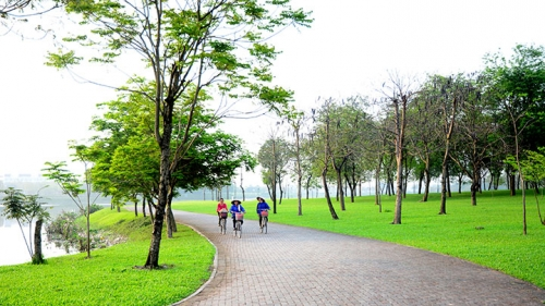 Peaceful parks in Hanoi