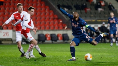 Arsenal thrash Slavia Prague to reach Europa League semis