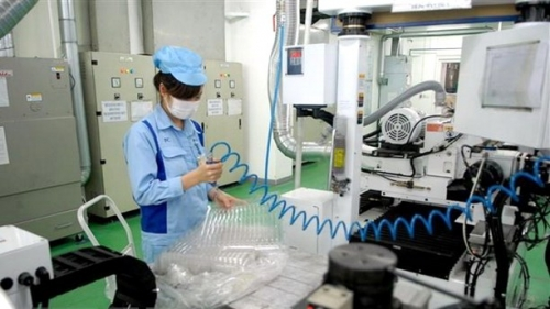 Vietnamese firms' overseas investment surges in first four months