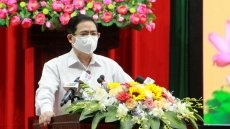 PM promises with voters to work hard for greater national development