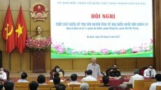 Party General Secretary Nguyen Phu Trong meets voters in Hanoi