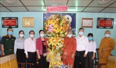Vietnam Fatherland Front congratulates Buddhist dignitaries on Buddha's birthday
