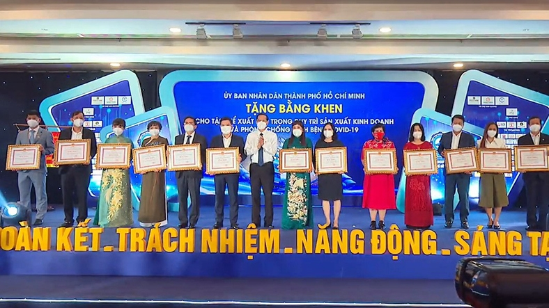 Ho Chi Minh City entrepreneurs praised for contributions to COVID-19 fight