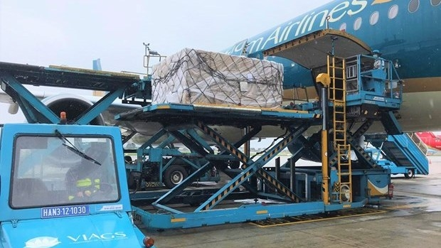 Vietnam Airlines transports COVID-19 vaccine home from Europe