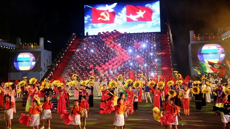 Hanoi to celebrate National Reunification Day with assorted arts programmes