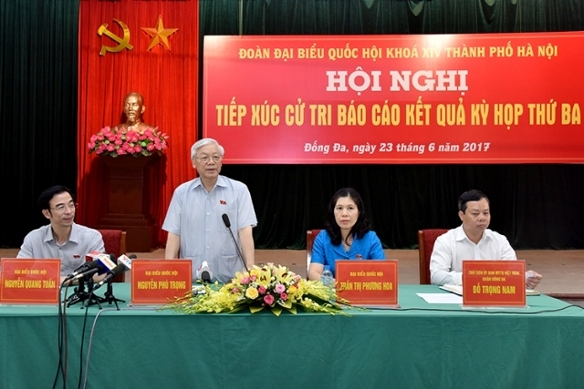 Party chief updates Hanoi voters on NA session outcomes