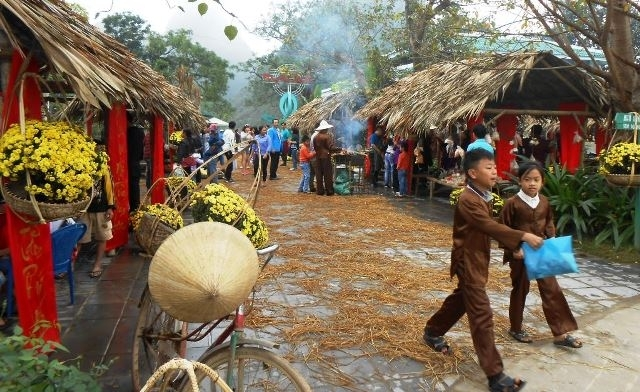 Traditional Tet market reproduced in Phong Nha – Ke Bang