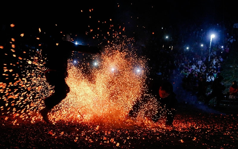 Pa Then fire dancing festival welcomes Spring
