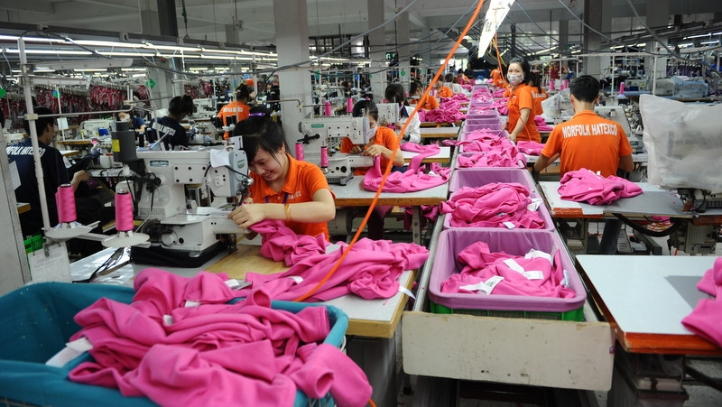 Soaring industrial production spurs on economic growth